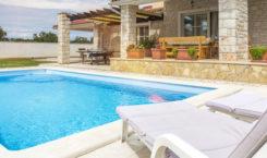 Trouver une location de vacances avec piscine en Ardèche